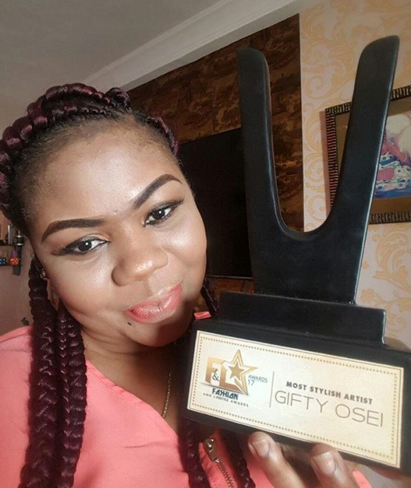 Empress Gifty Wins Most Stylish Artist Award At the Fashion And Lifestyle Awards 2017